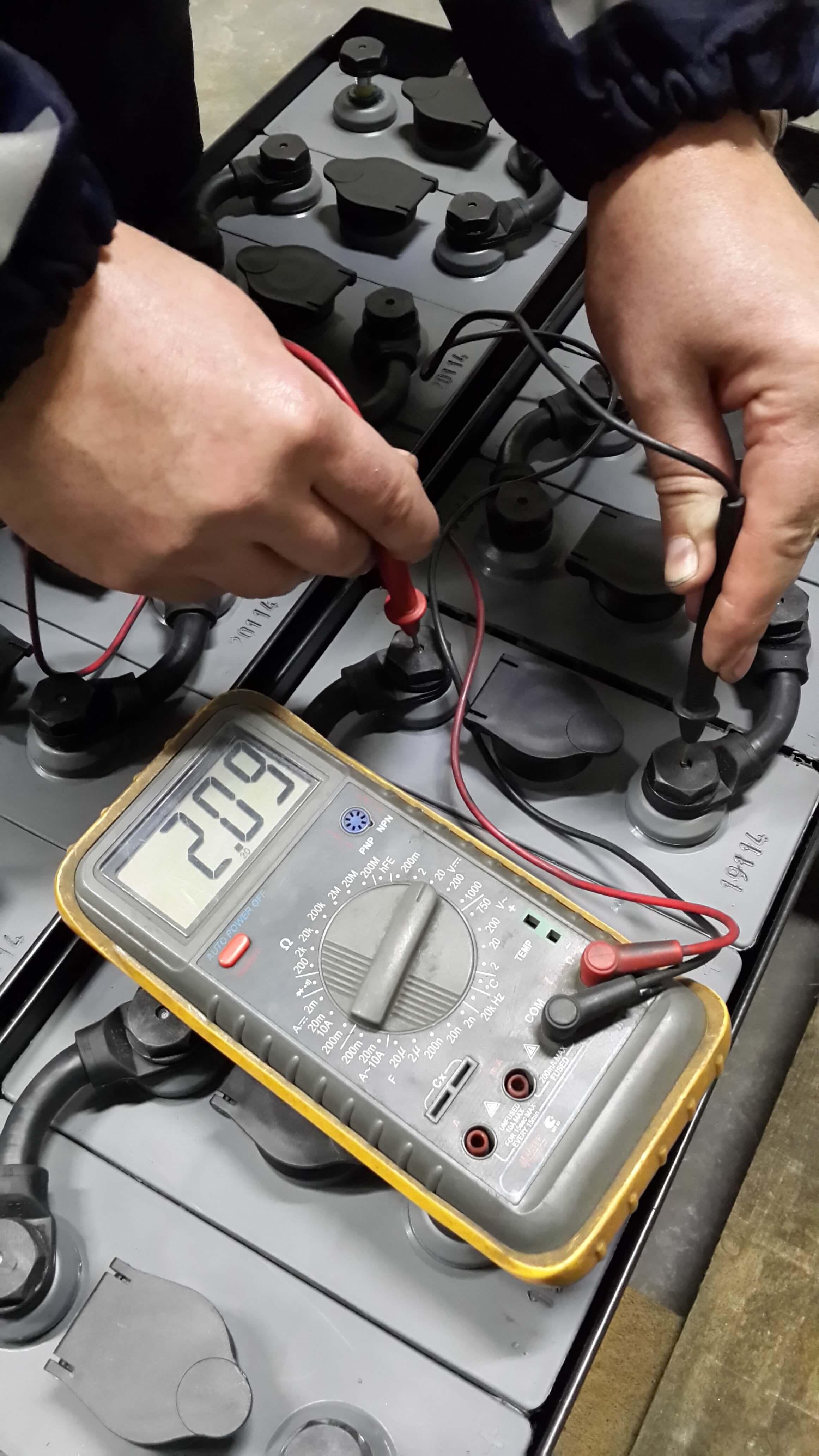 Как восстановить аккумулятор автомобиля своими руками